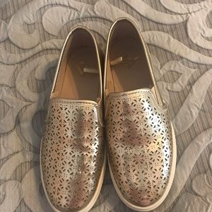 Report Slip on sneakers size 4